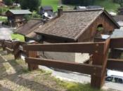 Parapetto stradale in legno