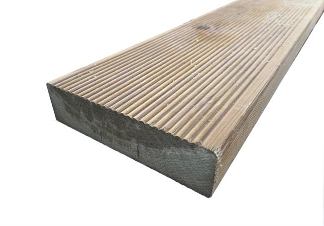 pavimento legno antiscivolo per esterno